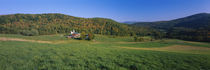 Farmhouse in a field, Vermont, USA von Panoramic Images
