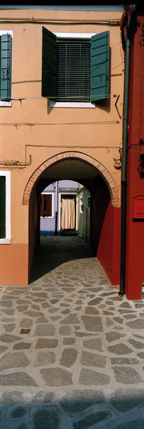 Archway of a house, Burano, Venice, Veneto, Italy von Panoramic Images