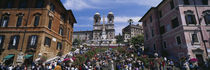Low angle view of tourist on steps, Spanish Steps, Rome, Italy von Panoramic Images