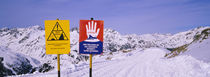 Avalanche Warning signs on a ski slope, Rendl, St. Anton, Austria von Panoramic Images