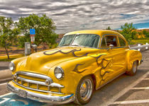 52-yellow-chev-hdr-00