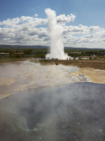 The Strokkur geyser in Iceland von William Lee