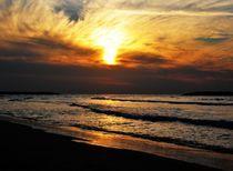 Sun & Clouds in Tel Aviv von Karina Stinson