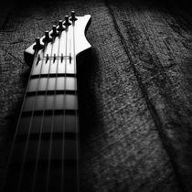 Guitar 1 von Joseph Wakerley
