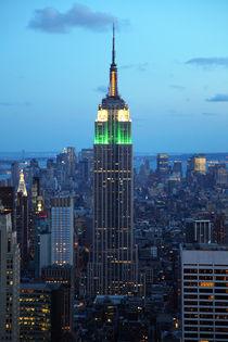 Empire State Building am Abend von buellom