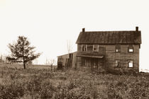Abandoned farmhouse by Susan Isakson