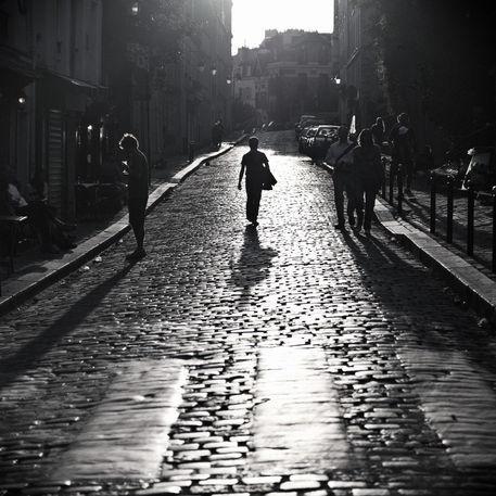 Šta je pisac hteo da kaže? - Majacvet - Page 2 Paris-montmartre-the-walking-man