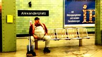 BERLINER - WAITING by tcl