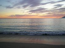 Sunset at the beach by Bruna Kleemann