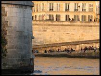 Pariser by Pinar Öz
