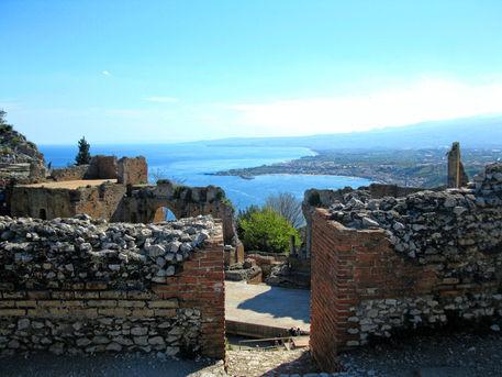 Greek-theatre-taormina-by-caty86