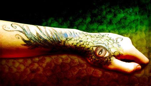 Dragon-hand-i-c-sybillesterk