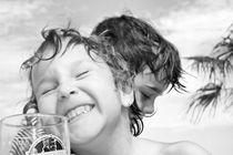 It's the children, and a Beer von IliyanDimchev PlikeruT