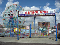 Astroland - Coney island by blackscreen