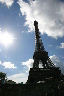 Paris Eifelturm - da strahlt die Sonne by artposter