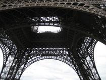 Paris Eifelturm unterhalb by artposter