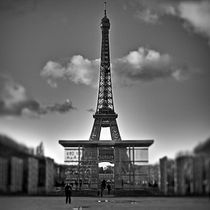 Eiffel Tower - Paris by Boris Frantz