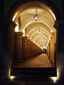 Arches von Rafael Mora