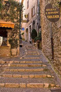 Steep street in St Paul de Vence by Louise Heusinkveld