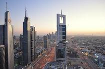 Daemmerung Sheikh Zayed Road Dubai von Olaf Fey