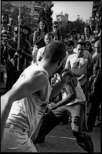 Capoeira (IV). Madrid, 2011. von Maria Luros