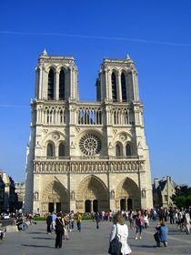 Notre Dame de Paris by Mirela Oprea