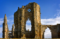 Ruins of Whitby Abbey, North Yorkshire von Louise Heusinkveld
