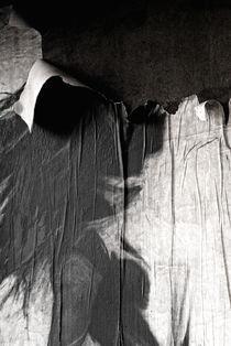 Shirt On A Wall von Marco Moroni