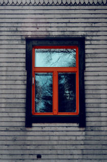 Red-frame