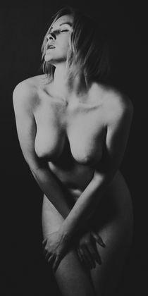 Erotisches Schwarz Weiß Foto von Falko Follert