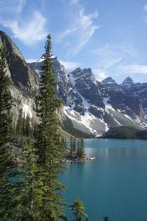 Moraine Lake by Mario Kobayashi