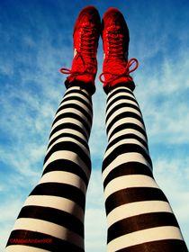 Stripey flying legs von Mabel Amber