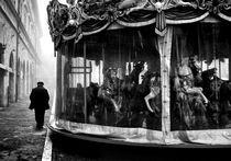Foggy Ride von David deVeson