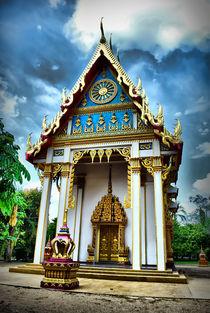 Buddhist Temple by Oliver Banasiak