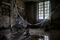 Wheelchair party by Marc Duiker