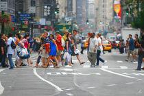 sidewalk  NYC  von Dani Shimoni
