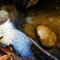 Bubbles-and-rocks-in-the-grottos-hi