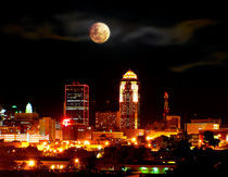 Full-moon-in-des-moines-iowa-by-inflaymes-d154k7y