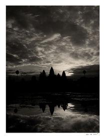 Sunrise at Angkor Wat von Eric deVries