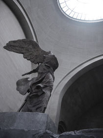 Winged Victory of Samothrace rising von Andreea Farcas