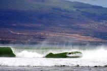 Ma'alaea Harbor Surf by heather hemstreet