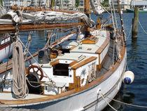 Ein Mensch ohne Träume ist wie ein Boot ohne Segel. von Emanuel Lonz