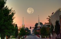 Moon over McMinnville by © Joe  Beasley