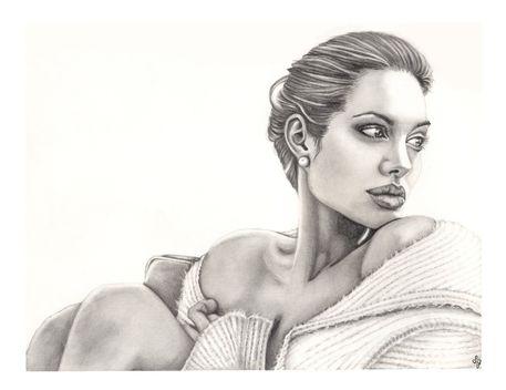 Angelina-jolie-lg