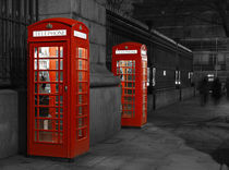London Phone Boo by Jan Lykke