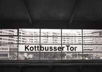 Kottbusser Tor U-Bahnhof: Berlin von Ron Greer