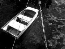 barco a caminho do mar by Lív Argolo
