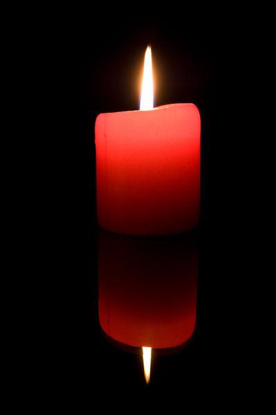 Kerze-gespiegelt-rot