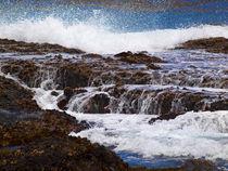 Pacific Ocean Surf by Gordon Warlow