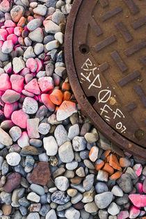 Graffiti Stones by marivigonzalezphotography
